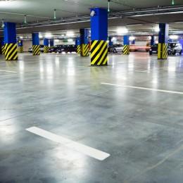 Traffic in underground parking garage