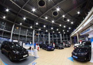 Lampy przemysłowe LED – zalety, wady oraz zastosowanie LED w przemyśle