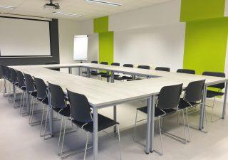 Oświetlenie biurowe LED – oświetl swoje miejsce pracy