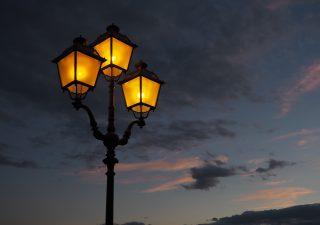 Oświetlenie ulic dawniej a dziś