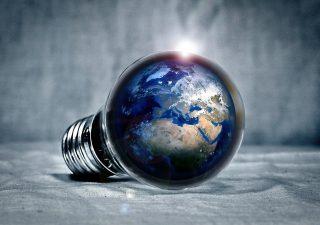 7 sposobów na oszczędzanie energii elektrycznej w 2021